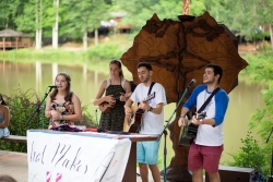 teens songleading at coleman camp